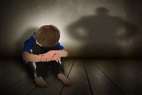 Abusi sessuali su un bambino dentro a una scuola. Favarese a processo