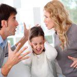 genitori litigare figli