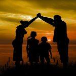 famiglia genitori figli