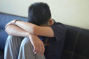 ragazzo tristezza depressione